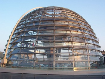 800px-Reichstag_Dome_8