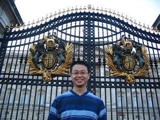 palace door2
